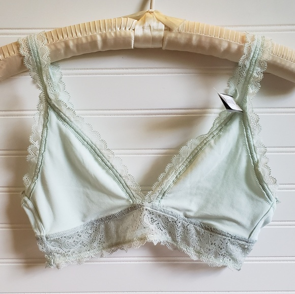 2067e153363c8 GapBody Breathe NWT Lace Trimmed Bralette. NWT. GAP